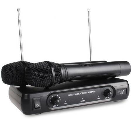Караоке приставка + два беспроводных микрофона
